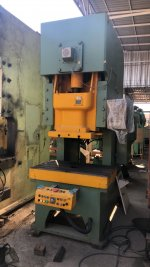 PRESS MACHINE 110 TON KOMATSU ปี1997 (2 UNIT)